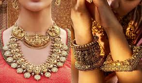 Why is antique Bajuband jewellery in trending?